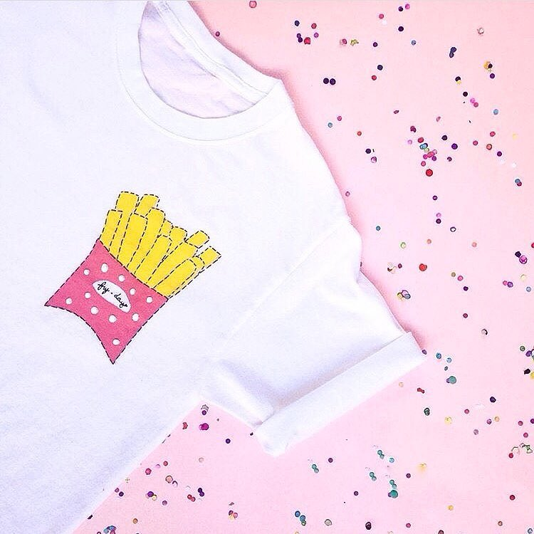 Its FRYDAY!!!! Hooray!! I absolutely LOVE this DIY tshirt clobyclauhellip